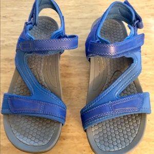 BareTraps Sandals Sz 9